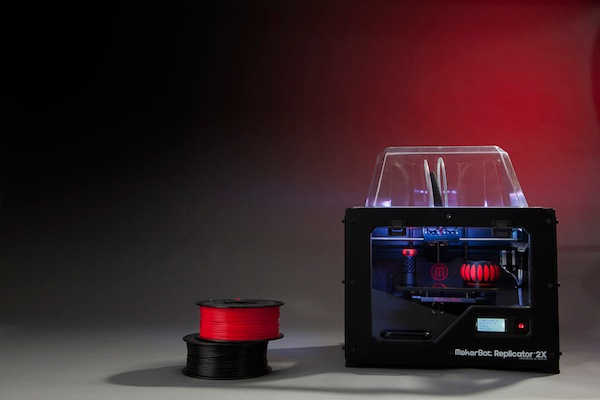 MakerBot_Replicator2X_low_3